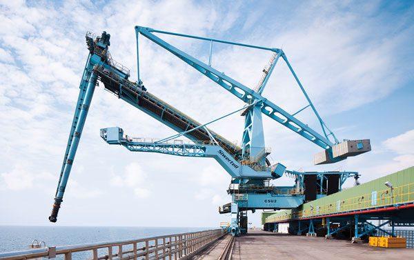 Figure 10: Dockside Screw Rail Mounted Unloader (photo courtesy of Siwertell)